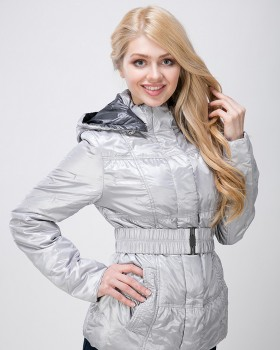 Демисезонная куртка серебристая