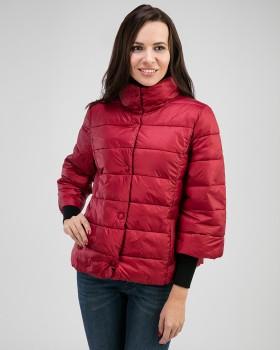 Короткая модная женская куртка на осень