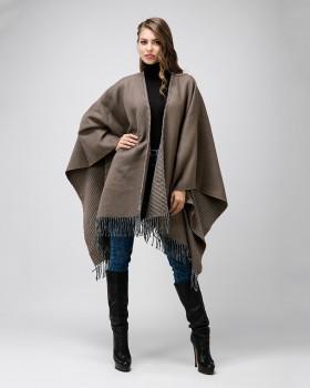 Пальто пончо с бахромой