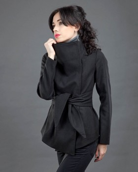 Полупальто женское с запахом из шерсти