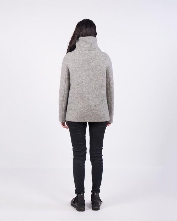 Короткое пальто полушерсть с высокой стойкой