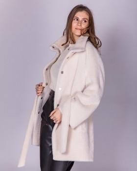 Полупальто женское белого цвета