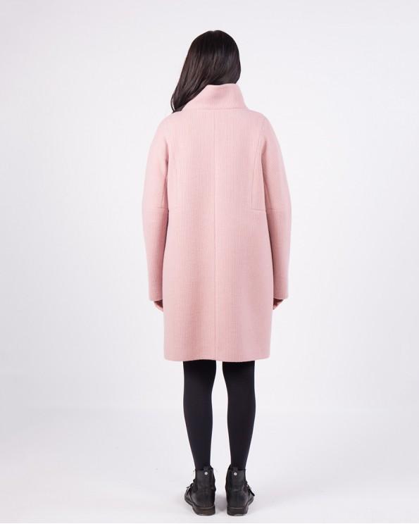 Розовое пальто с воротником-стойка