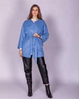 Пальто без воротника голубое короткое