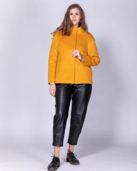 Короткое пальто из шерсти прямого силуэта