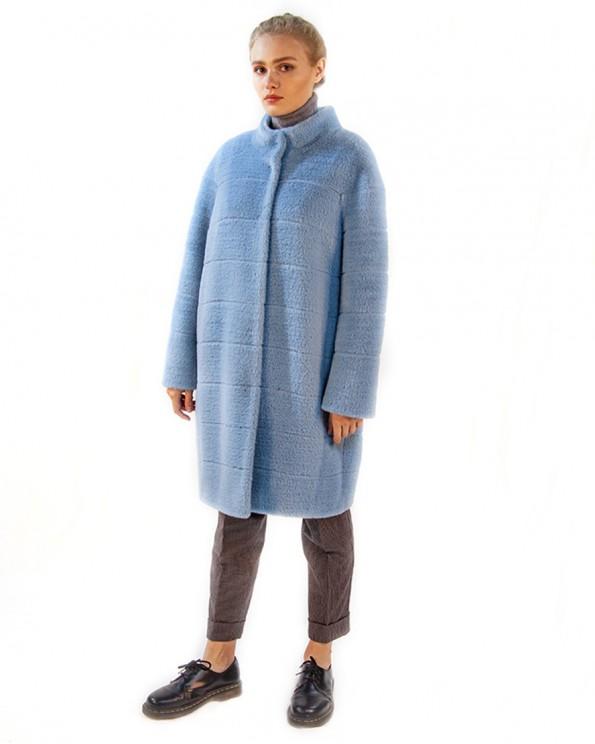 Модное пальто с поперечной строчкой