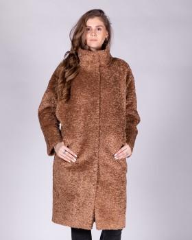Плюшевое пальто цвета кэмел