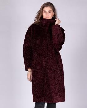 Модное плюшевое пальто под барашка