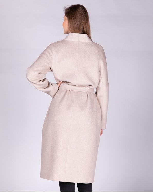 Бежевое длинное пальто без воротника