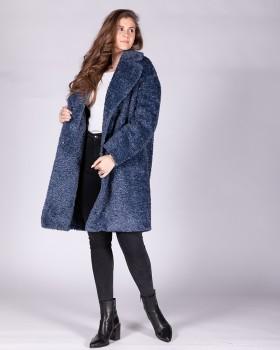 Утепленное пальто из букле сине-голубого цвета