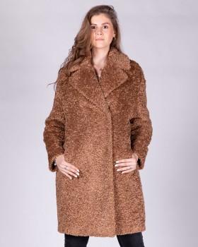 Утепленное плюшевое пальто средней длины