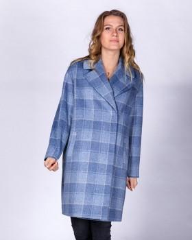 Стильное пальто в клетку голубого цвета
