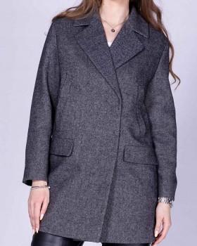 Пальто шерстяное средней длины с английским воротником