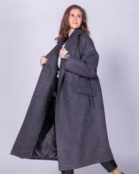 Стильное двубортное пальто из шерсти