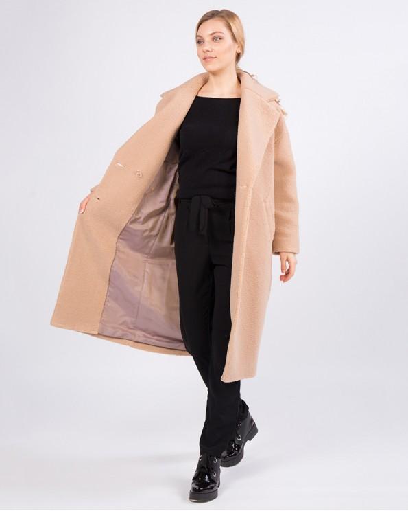 Бежевое пальто из ткани букле