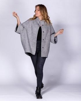 Серое пальто оверсайз короткой длины