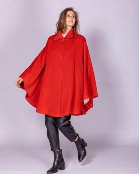 Пальто пончо из альпака красного цвета