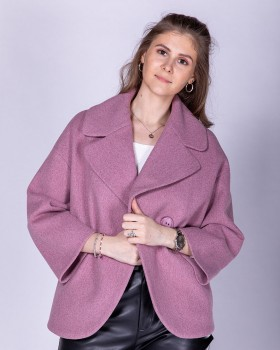 Короткое пальто свободного кроя