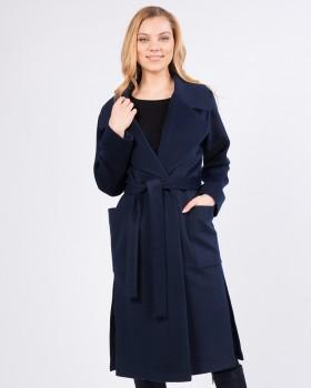 Темно-синее женское пальто с поясом
