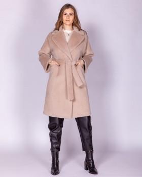 Бежевое пальто из ворсистой ткани