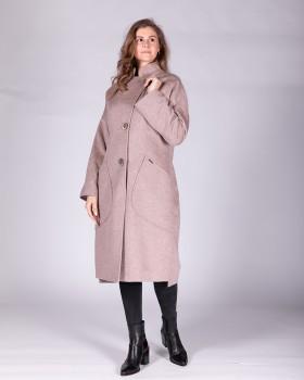 Женское пальто на пуговицах с большими карманами