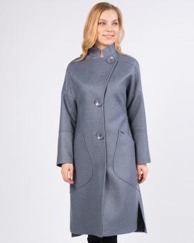 Стильное женское пальто с крупными карманами