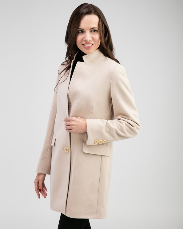 Пальто бежевое женское приталенное