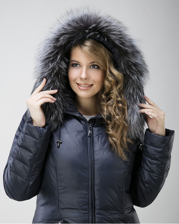 Женское зимнее пальто пуховик с чернобуркой