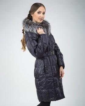Женский зимний пуховик темно-синего цвета