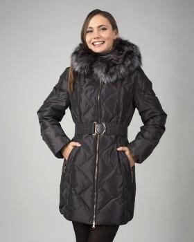 Удлиненная зимняя куртка с мехом чернобурки