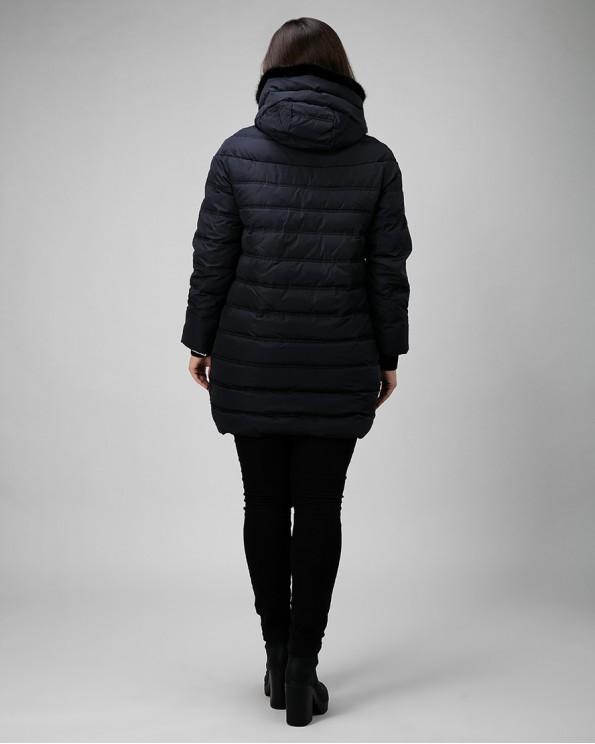 Стеганная темно-синяя зимняя куртка с норкой